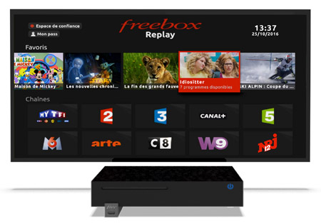 la nouvelle interface freebox replay n cessite le firmware 1 3 8. Black Bedroom Furniture Sets. Home Design Ideas